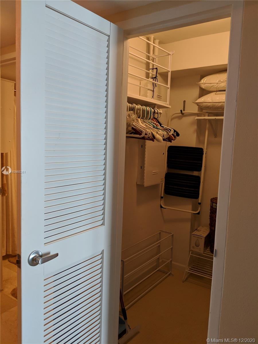10275 Collins Ave #905 photo025