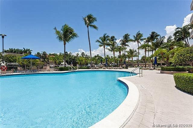 Gables Waterway #307 - 90 Edgewater Dr #307, Coral Gables, FL 33133