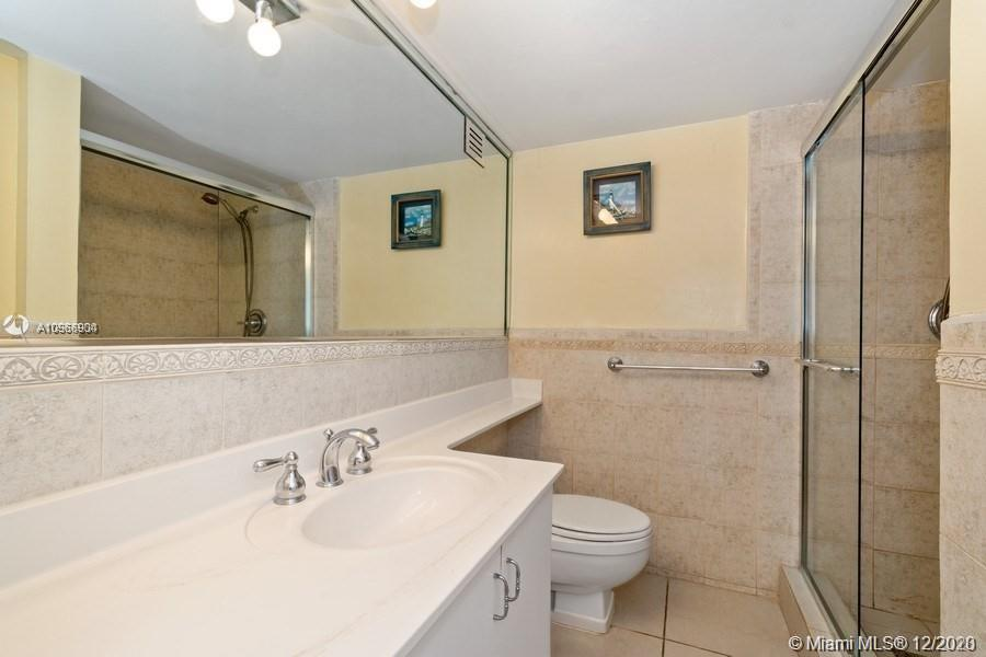 5225 Collins Ave #1108 photo010