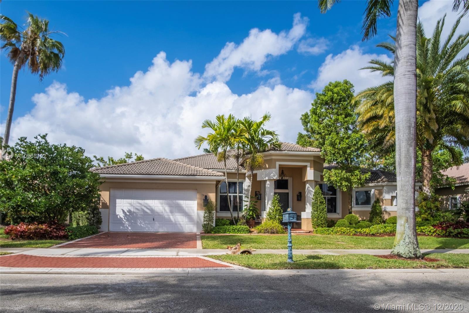 Weston Hills - 2581 Mayfair Ln, Weston, FL 33327
