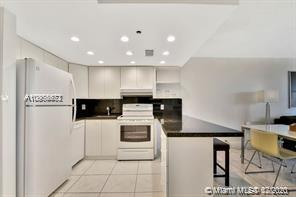 5225 Collins Avenue #408 photo021