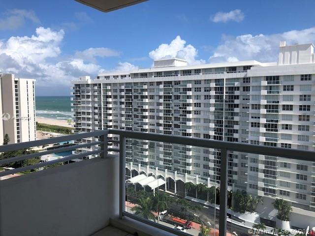 5600 Collins Ave #16V photo01