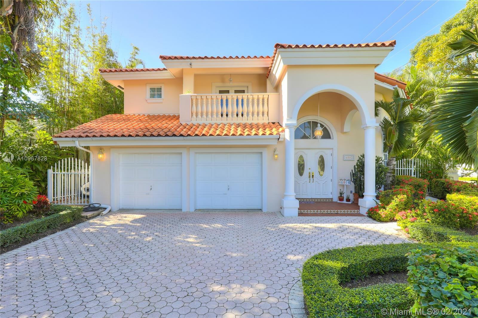 South Miami - 4002 Anderson Rd, Coral Gables, FL 33146