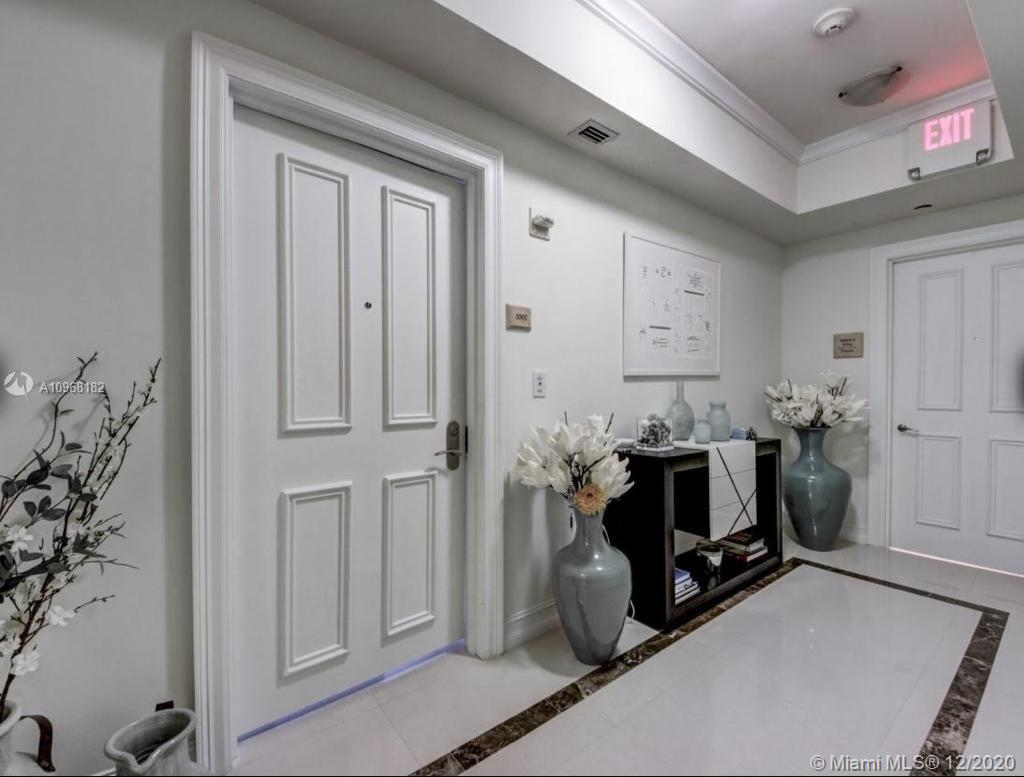 17875 Collins Ave #3302 photo02