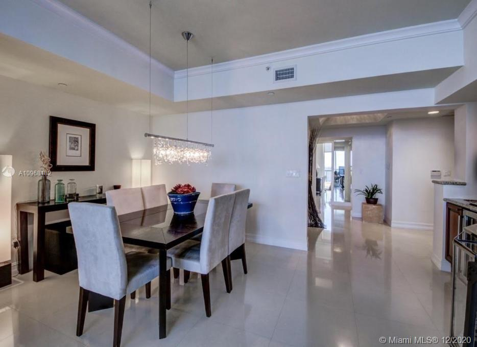 17875 Collins Ave #3302 photo04