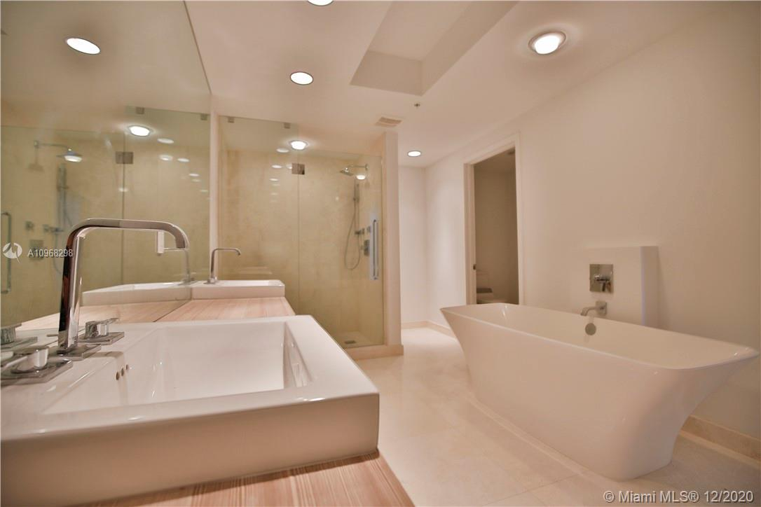 17301 Biscayne Blvd #406 photo026