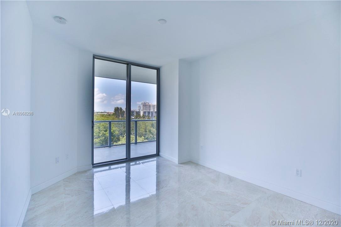 17301 Biscayne Blvd #406 photo030