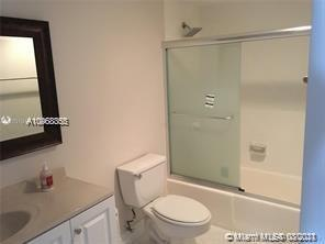 19390 Collins Ave #216 photo08