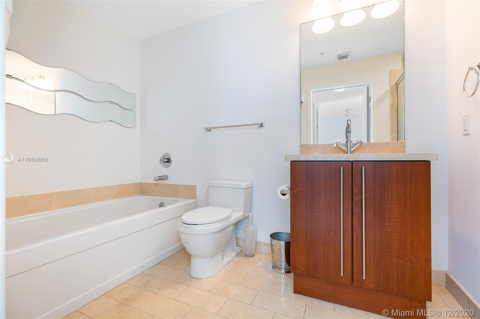 1111 SW 1st Ave #3624-N photo017