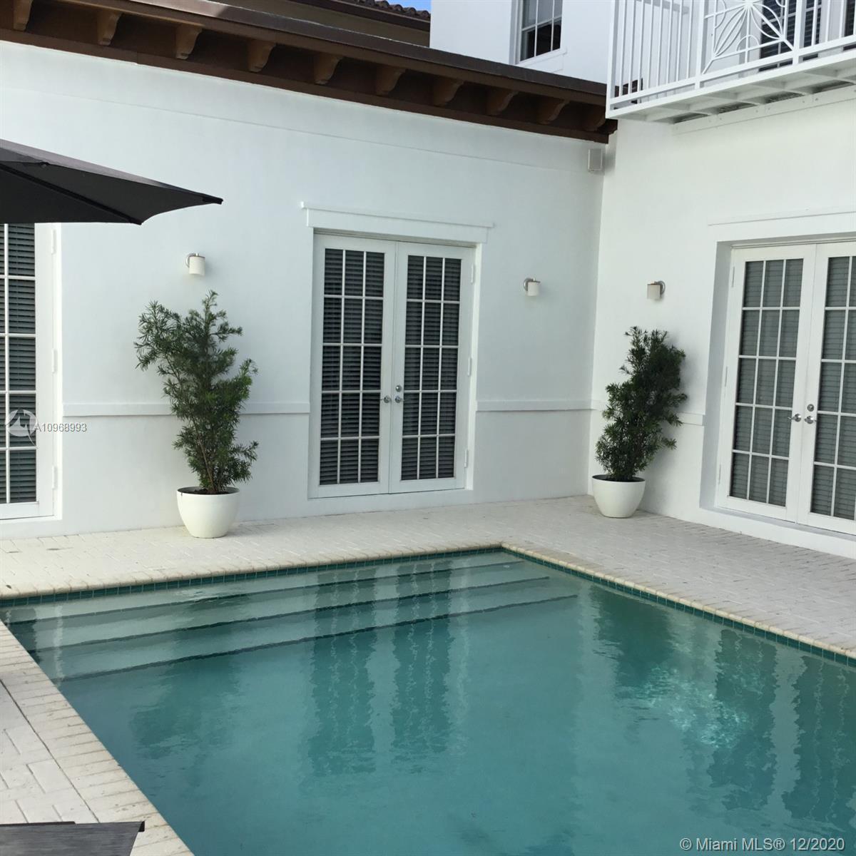 2426 S Miami Ave photo06