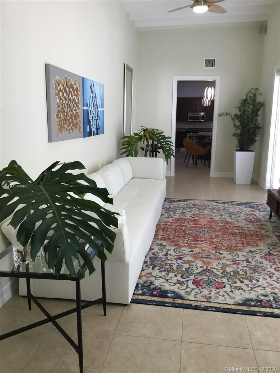 2426 S Miami Ave photo022