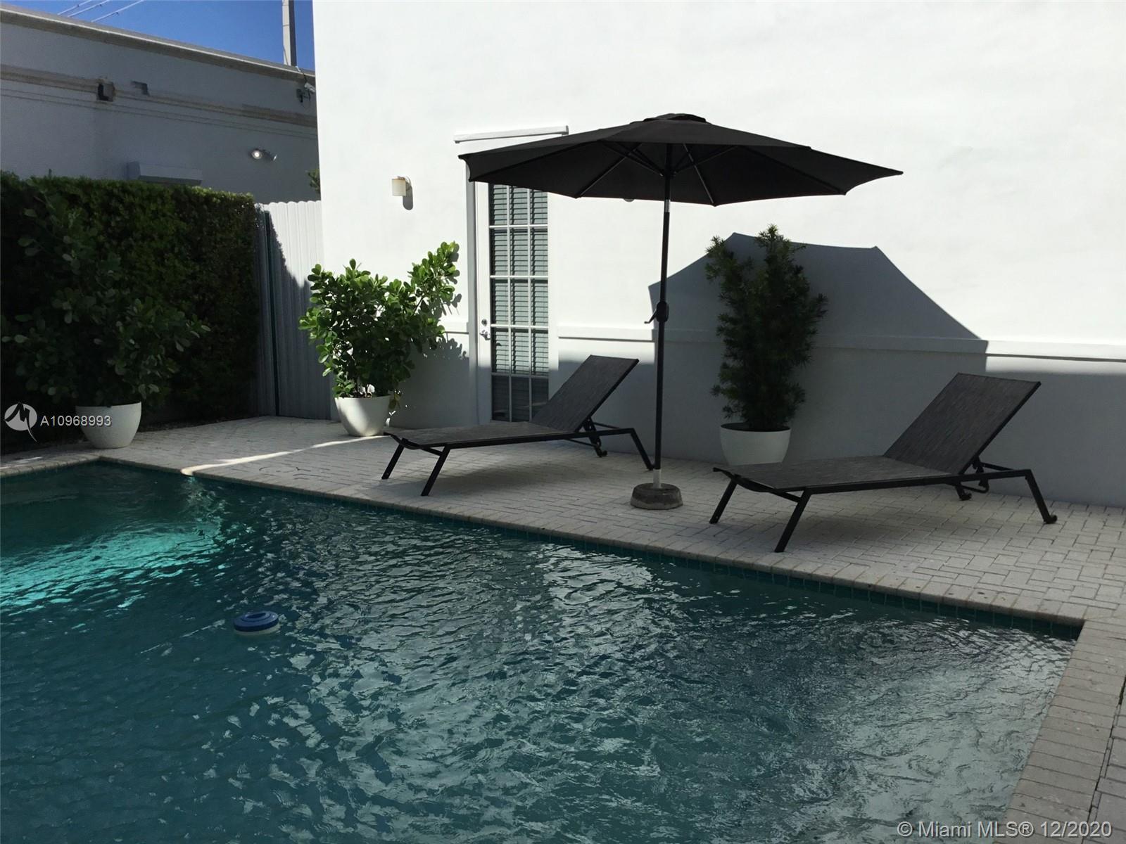 2426 S Miami Ave photo025