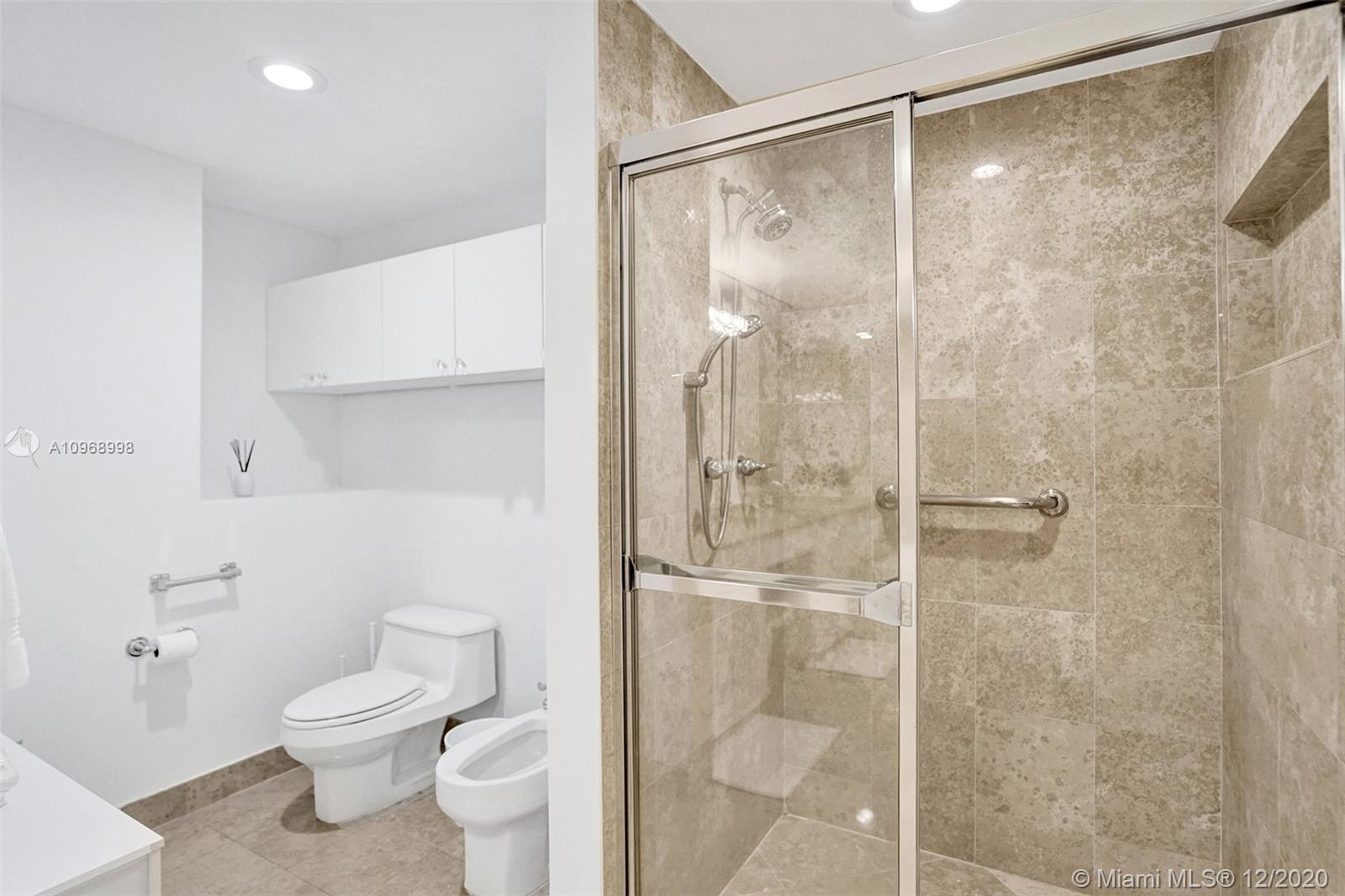 4775 Collins Ave #904 photo031
