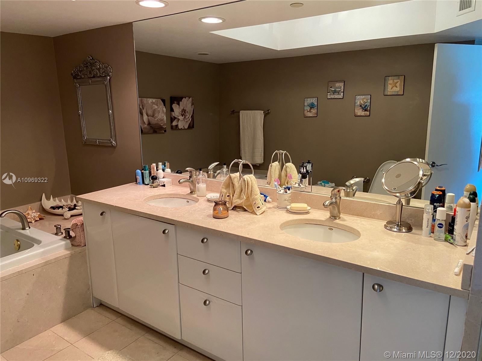 16500 Collins Ave #755 photo017