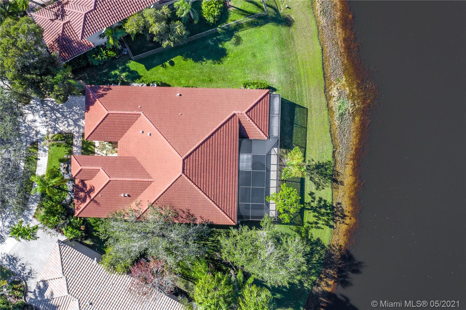 Weston Hills - 2743 Oakbrook Dr, Weston, FL 33332