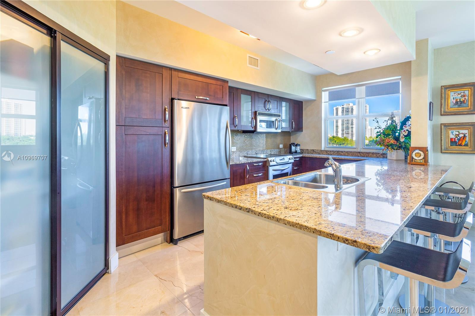 Turnberry Village North Tower #516 - 20000 E Country Club Dr #516, Aventura, FL 33180