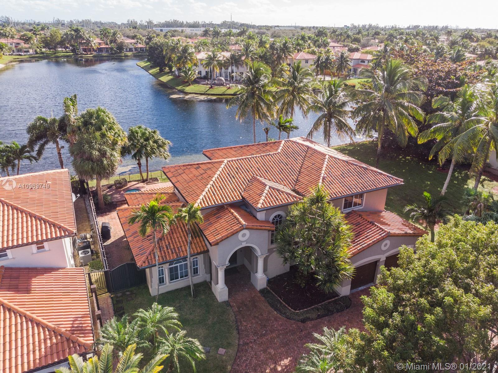 Miami Lakes - 16035 NW 81st Ct, Miami Lakes, FL 33016
