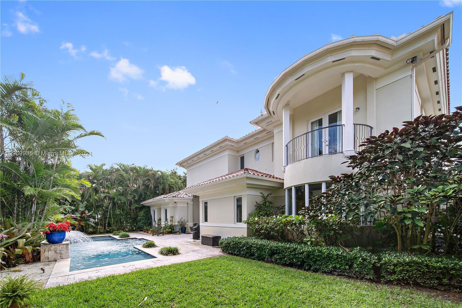 South Miami - 6701 Riviera Dr, Coral Gables, FL 33146