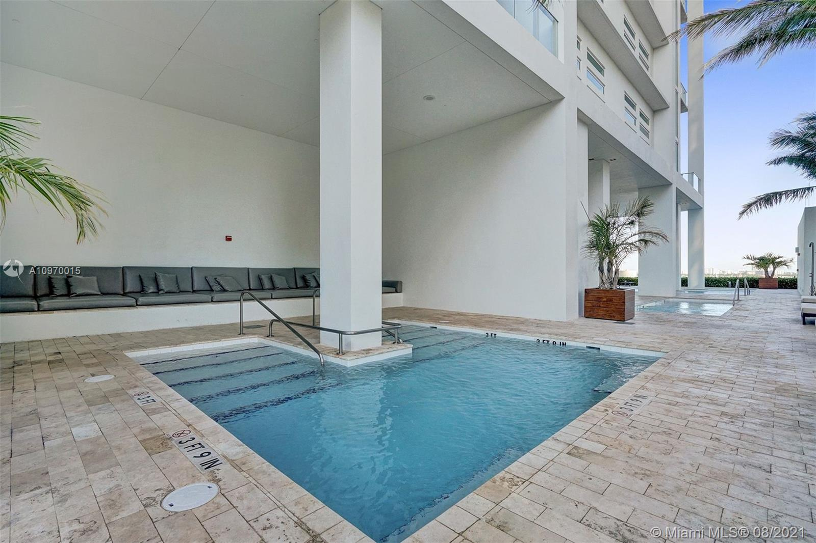 1040 Biscayne Blvd #1805 photo032