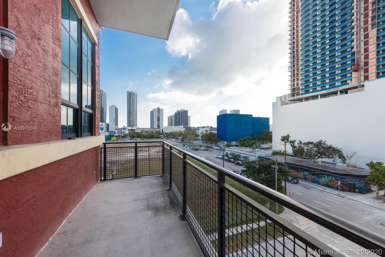 1749 NE Miami Ct #411 photo014