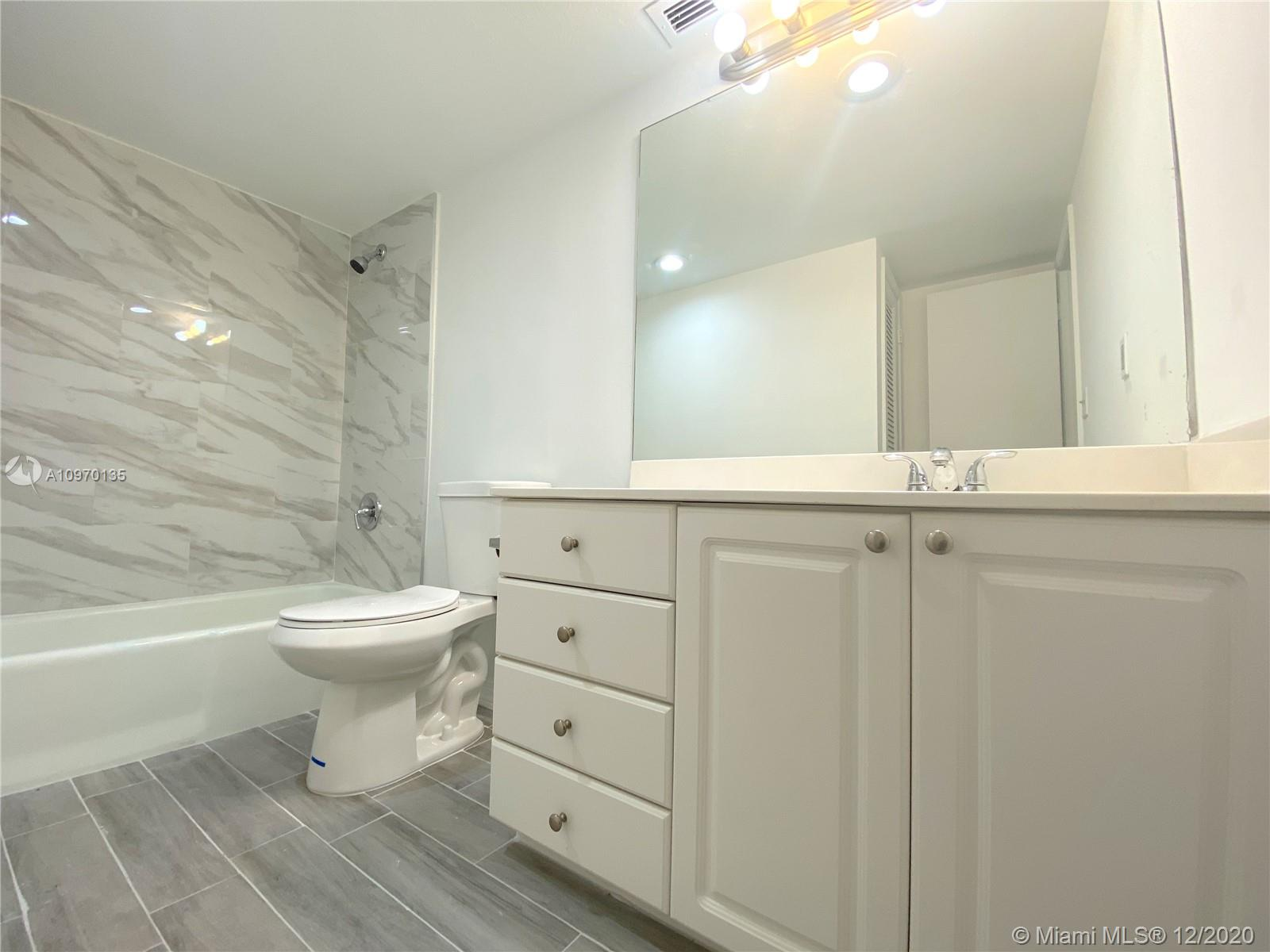 19390 Collins Ave #614 photo023