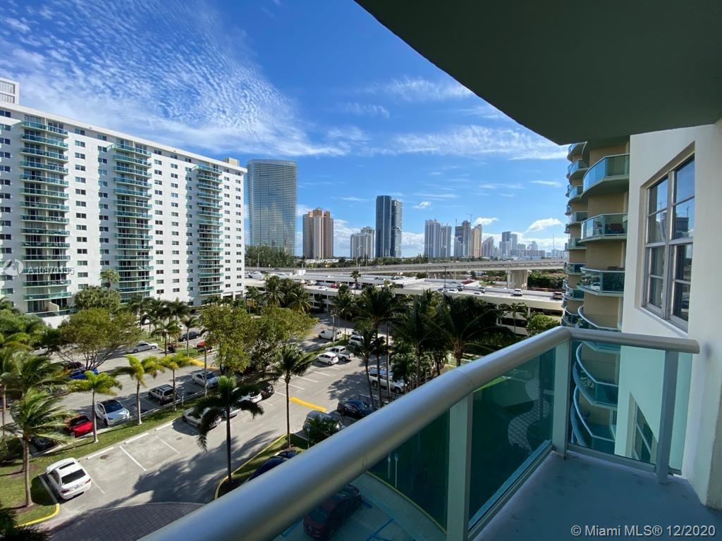 19390 Collins Ave #614 photo02