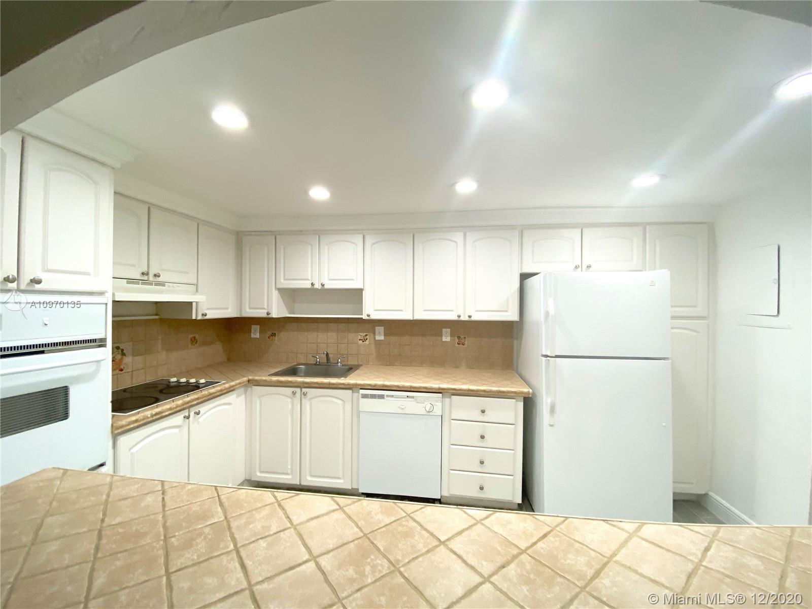 19390 Collins Ave #614 photo013