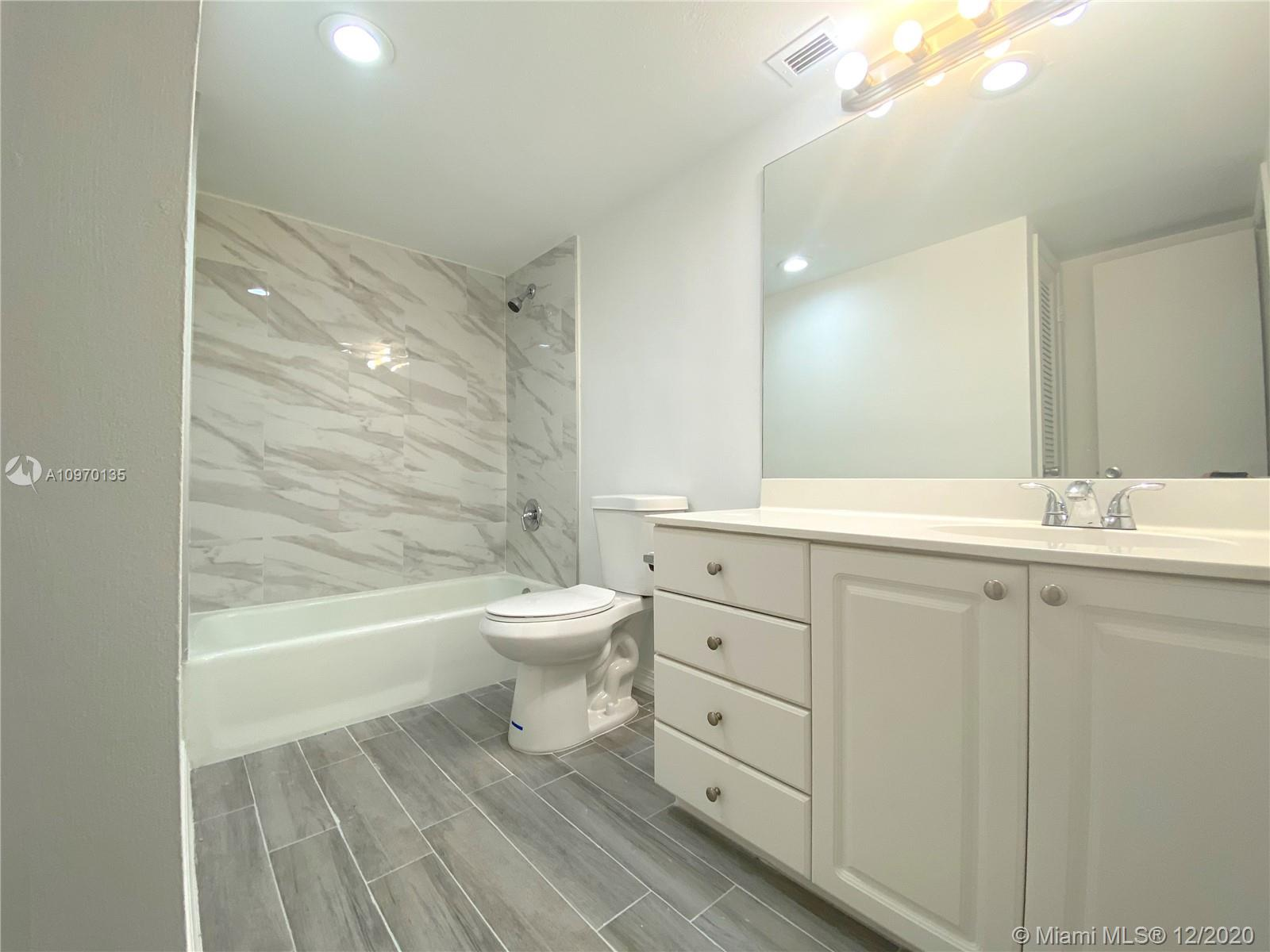 19390 Collins Ave #614 photo022