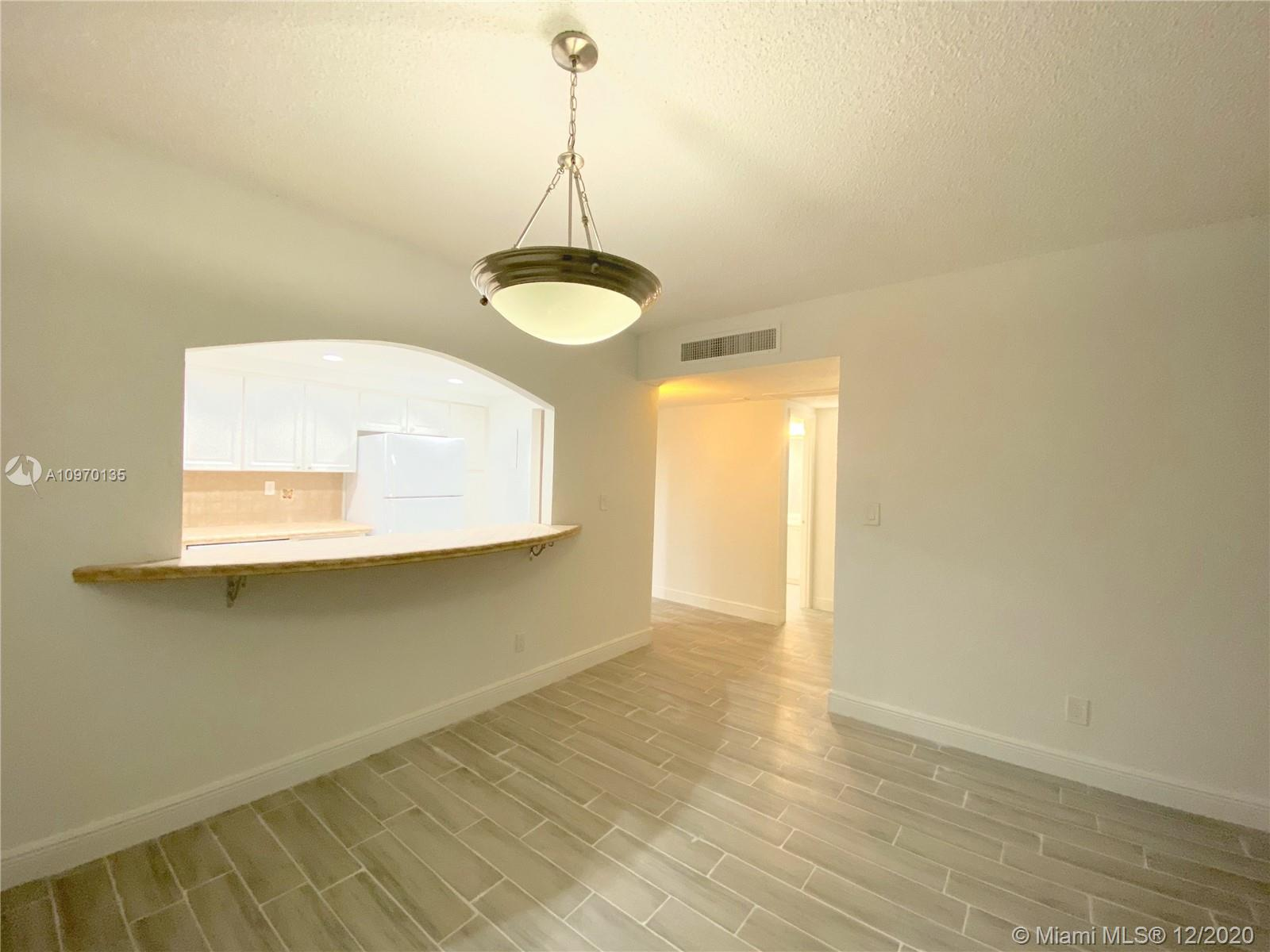 19390 Collins Ave #614 photo07