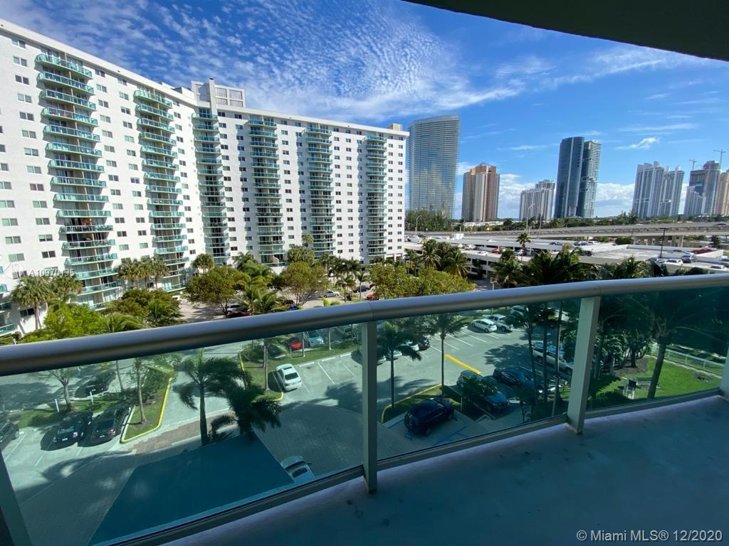 19390 Collins Ave #614 photo01
