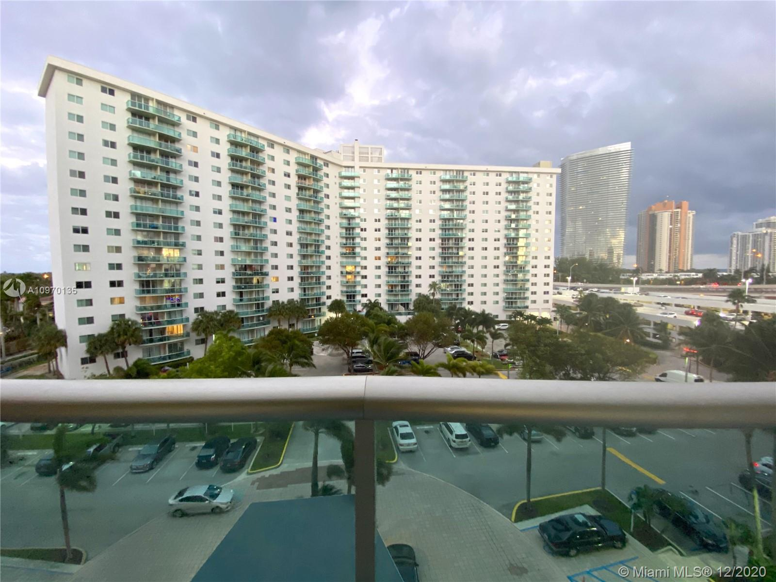 19390 Collins Ave #614 photo029