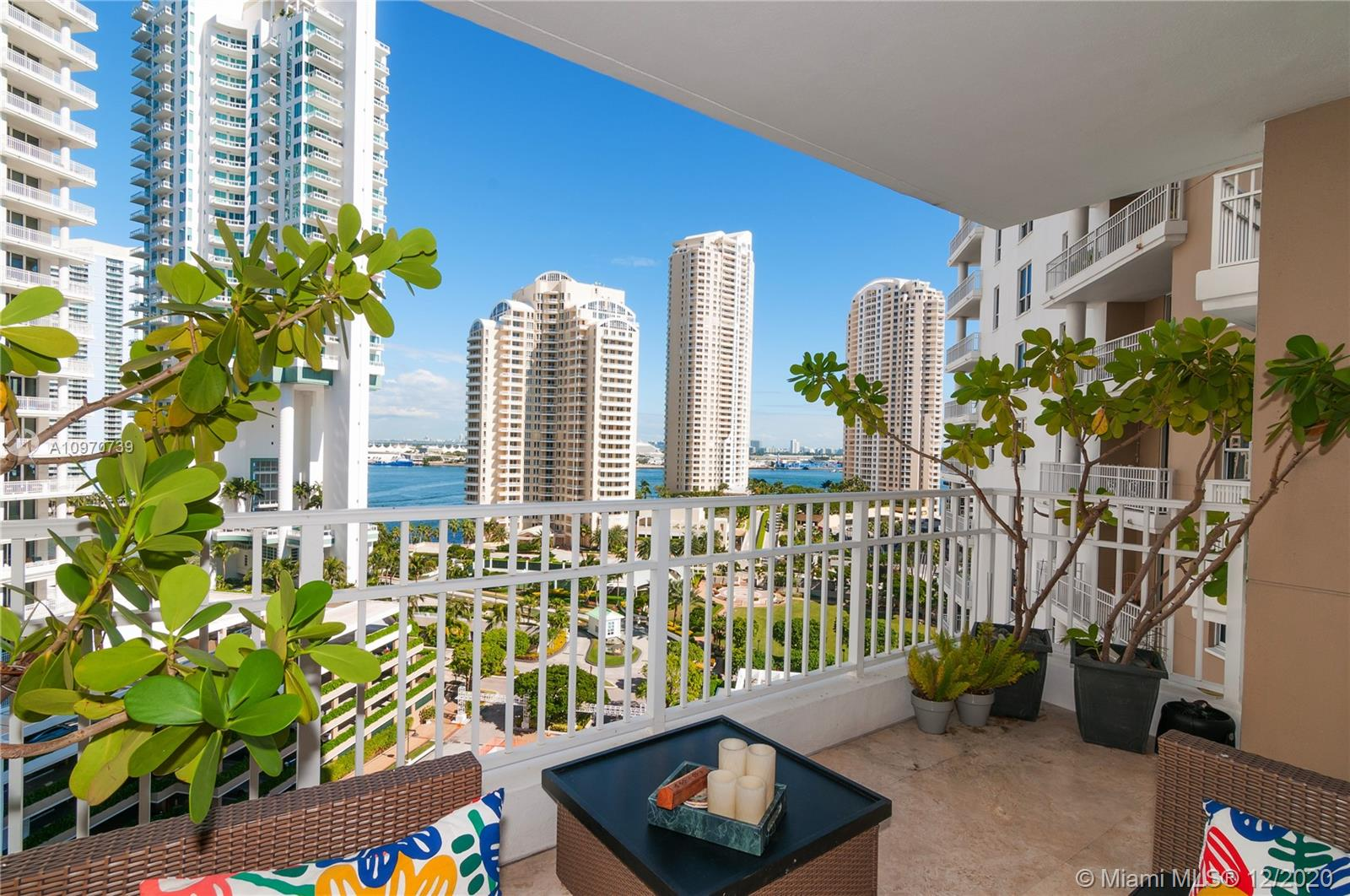 Courvoisier Courts #1506 - 701 Brickell Key Blvd #1506, Miami, FL 33131