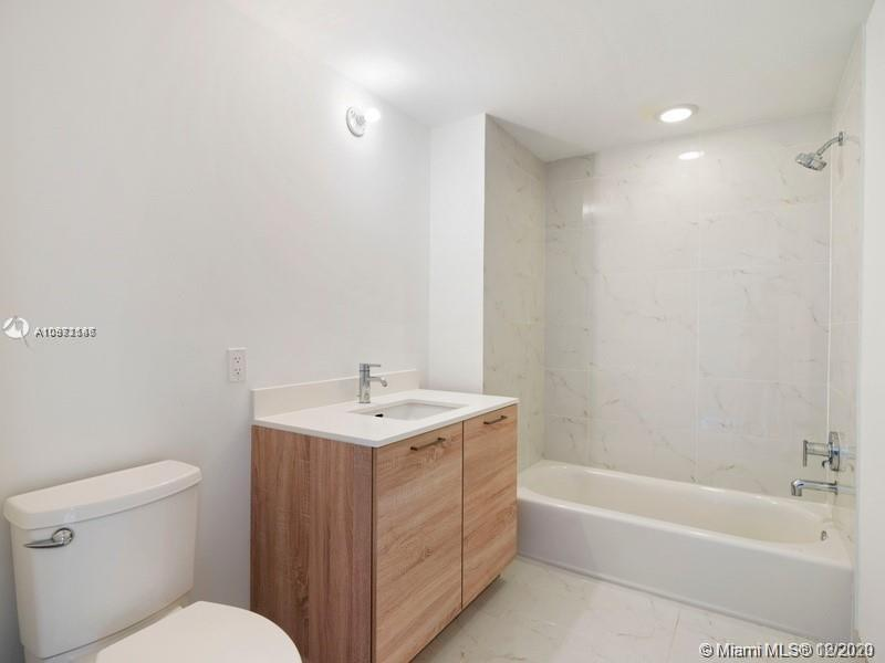 16385 Biscayne Blvd #603 photo010