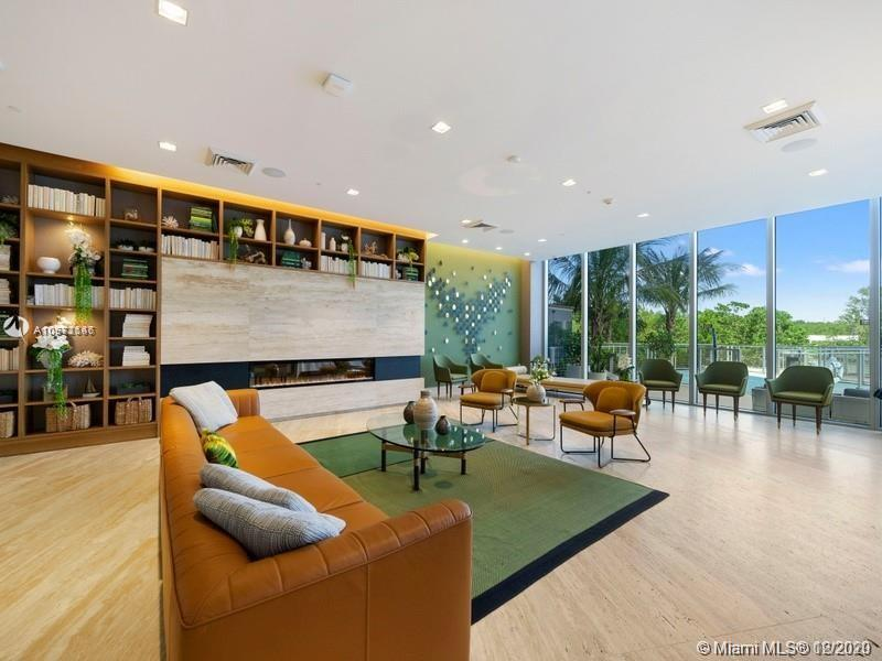 16385 Biscayne Blvd #603 photo04