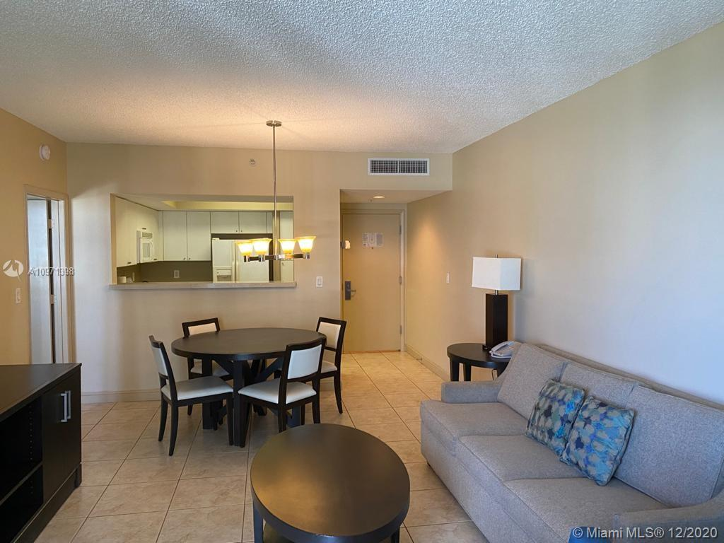 17375 Collins Ave #707 photo06
