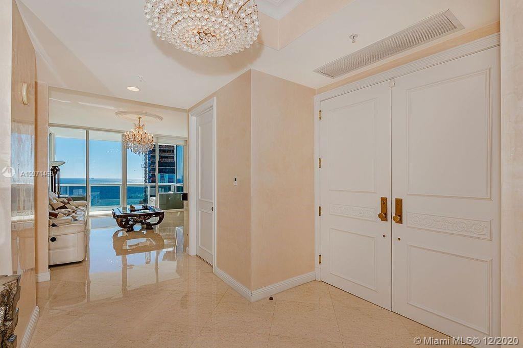 18101 Collins Ave #4702 photo02