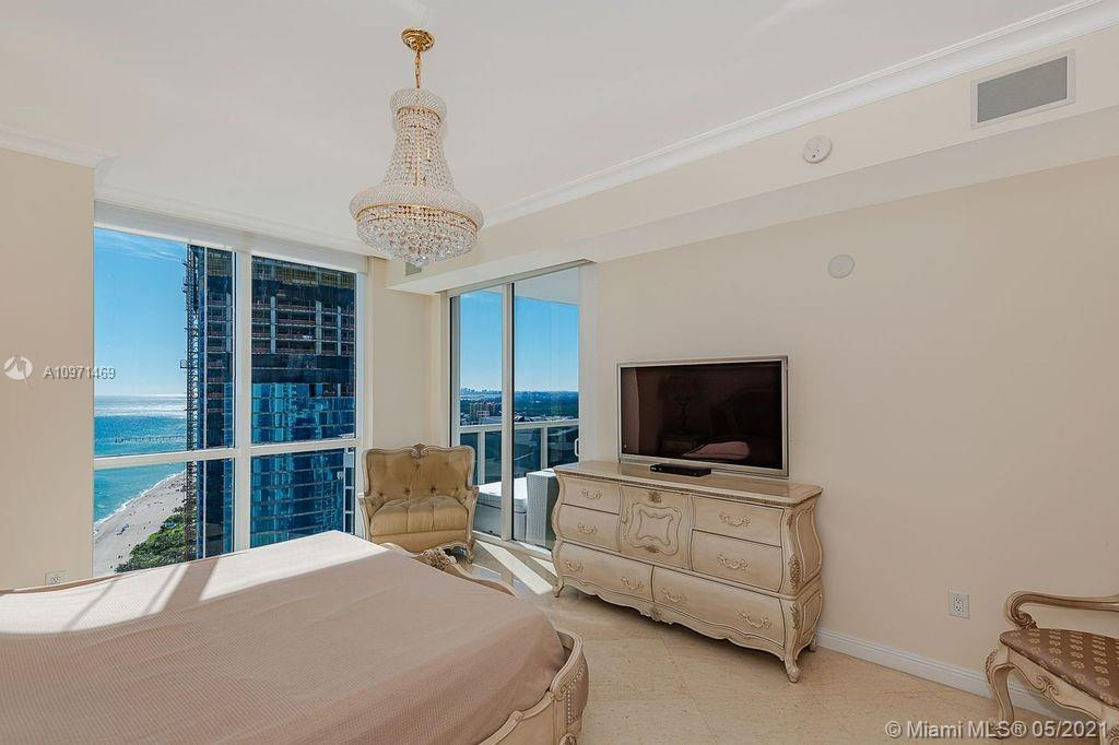 18101 Collins Ave #4702 photo014