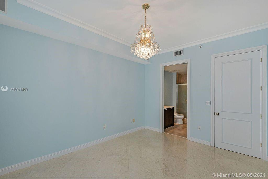 18101 Collins Ave #4702 photo021
