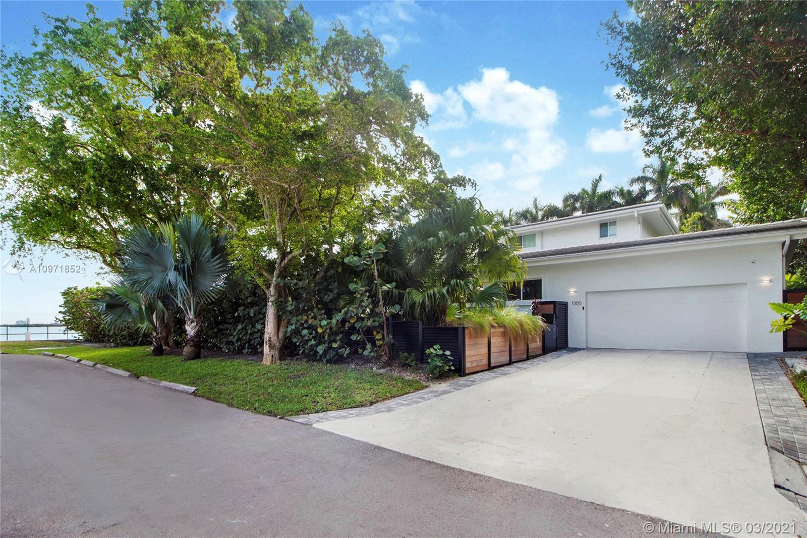 1300 NE 94th St, Miami Shores, Florida 33138, 6 Bedrooms Bedrooms, ,8 BathroomsBathrooms,Residential,For Sale,1300 NE 94th St,A10971852