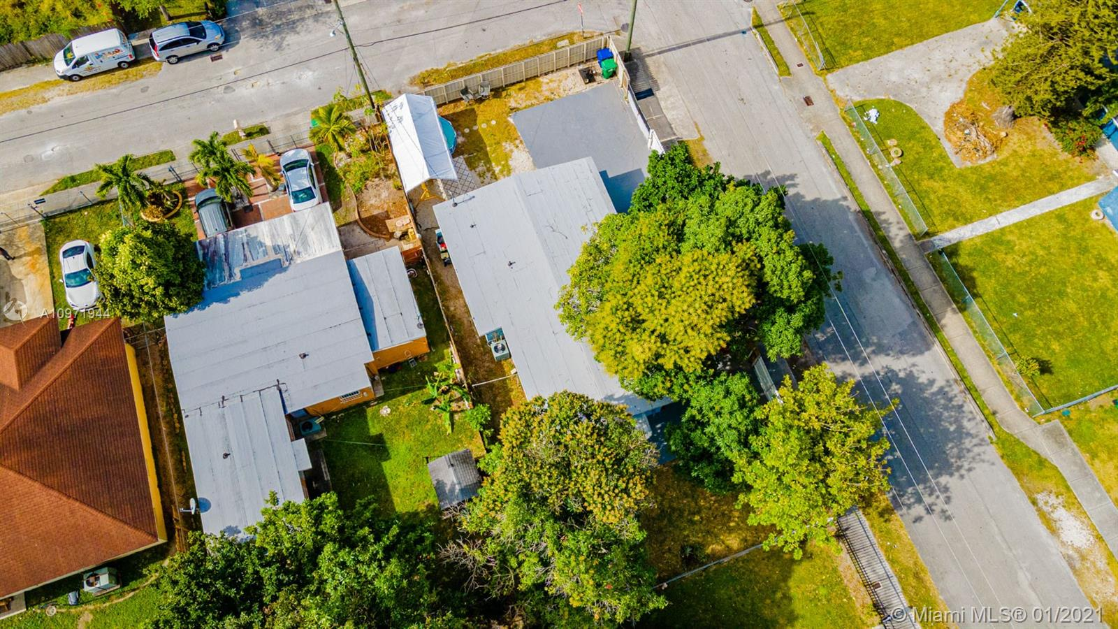 10090 W Fern St, Miami, Florida 33157, 3 Bedrooms Bedrooms, ,2 BathroomsBathrooms,Residential,For Sale,10090 W Fern St,A10971944