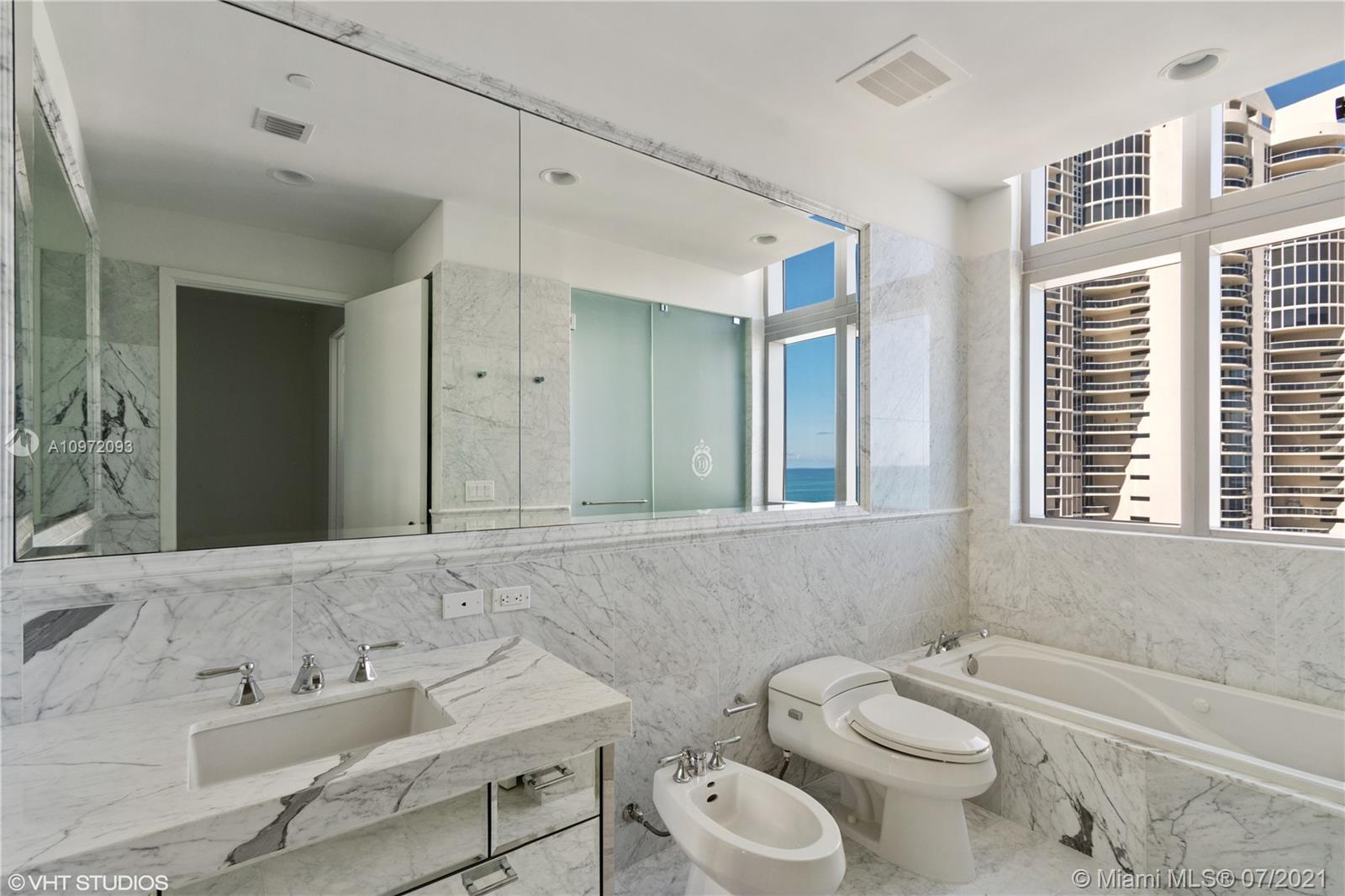 17475 Collins Ave #1501 photo022