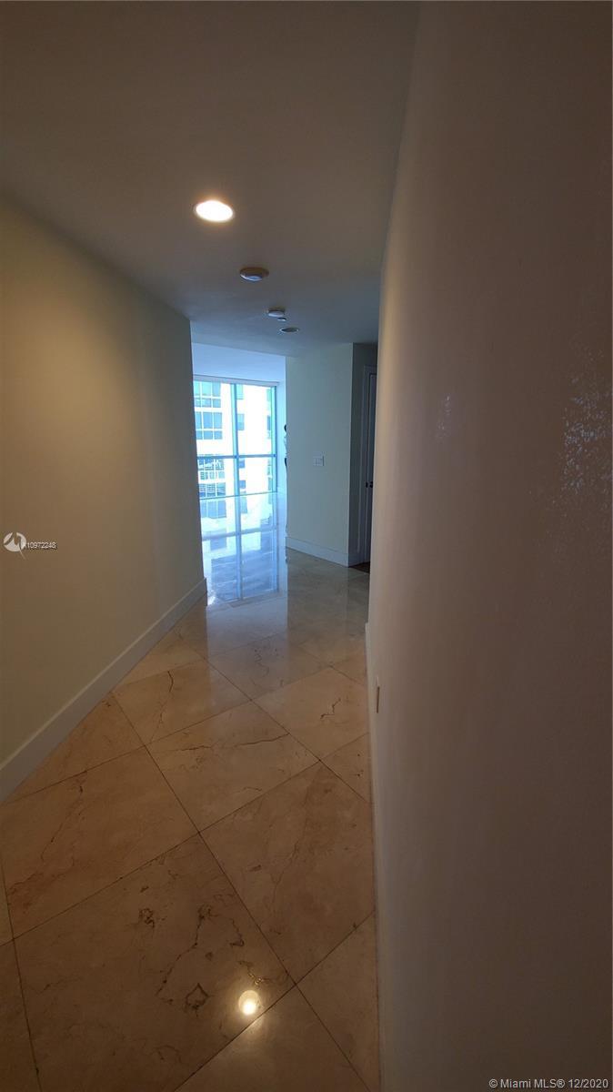 1060 Brickell West Tower #3417 - 1060 Brickell Ave #3417, Miami, FL 33131