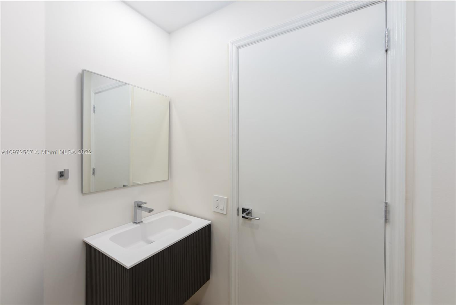 888 Brickell Key Dr #2401 photo023