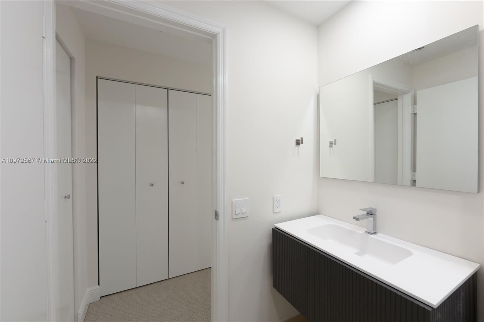 888 Brickell Key Dr #2401 photo029