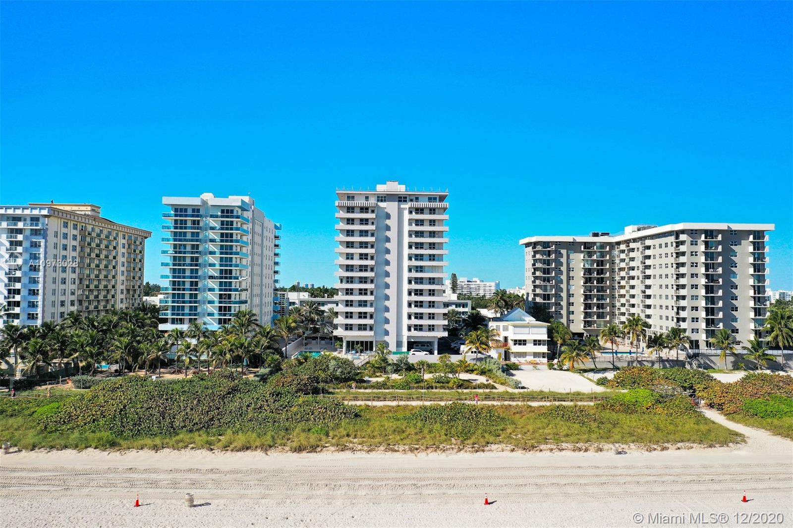 9225 Collins Ave #310 photo04