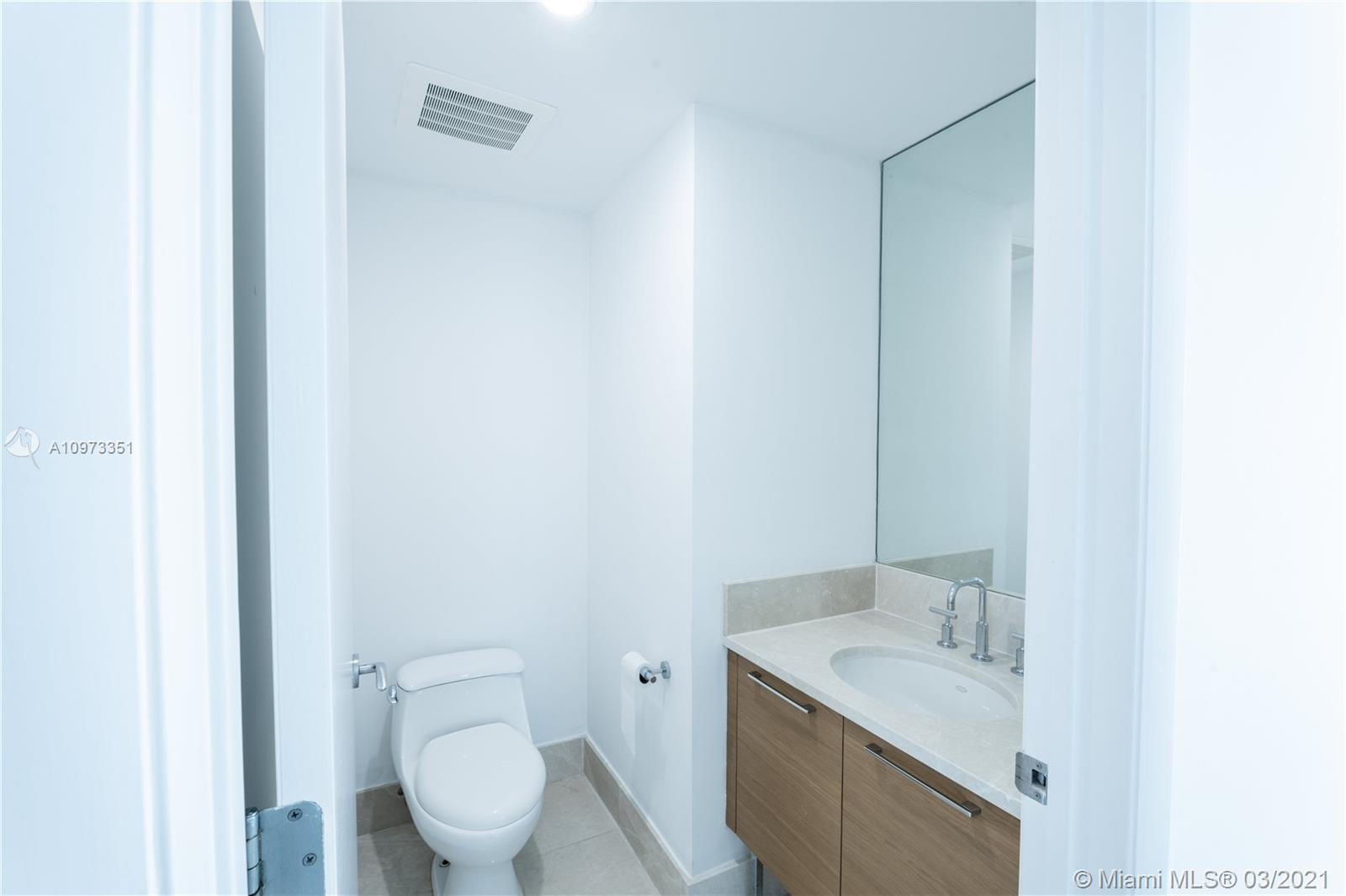 17001 Collins Ave #2208 photo011
