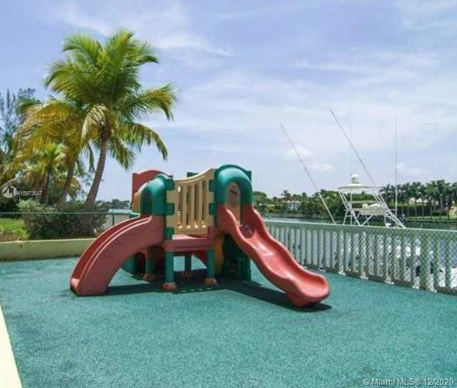 5600 Collins Ave #15B photo016