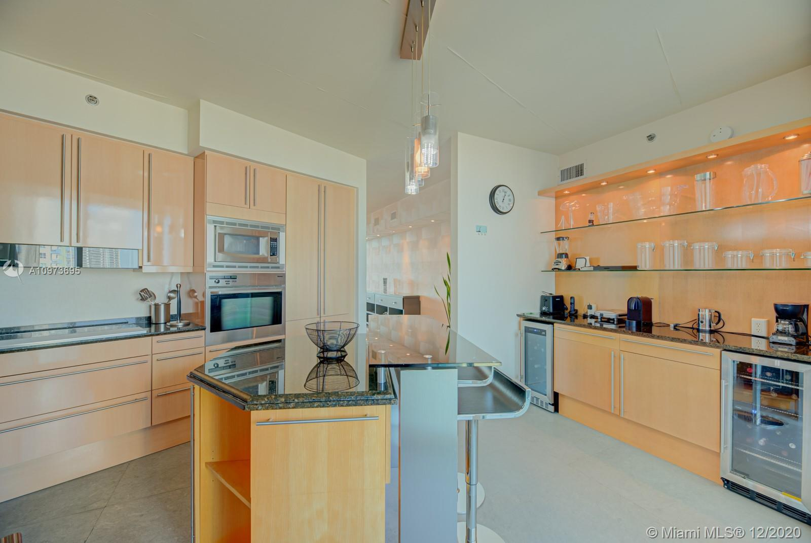 1000 S Pointe Dr #1504 photo026