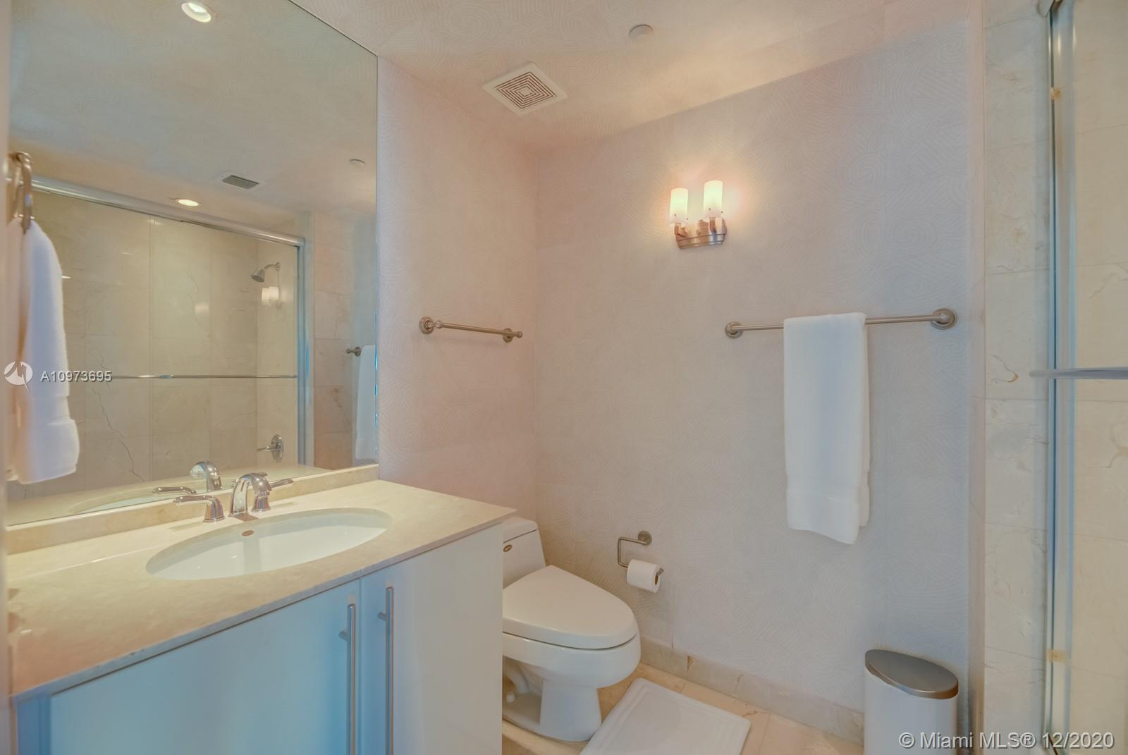 1000 S Pointe Dr #1504 photo032