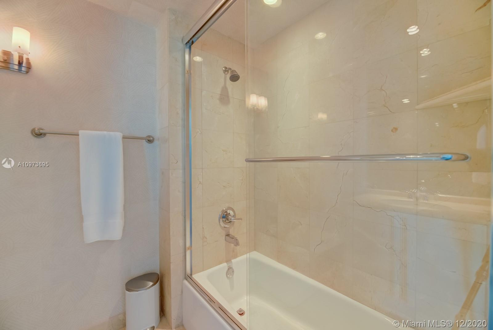 1000 S Pointe Dr #1504 photo033